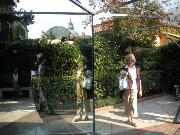 vrouw en spiegel